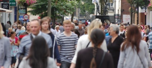 uk_people-on-street